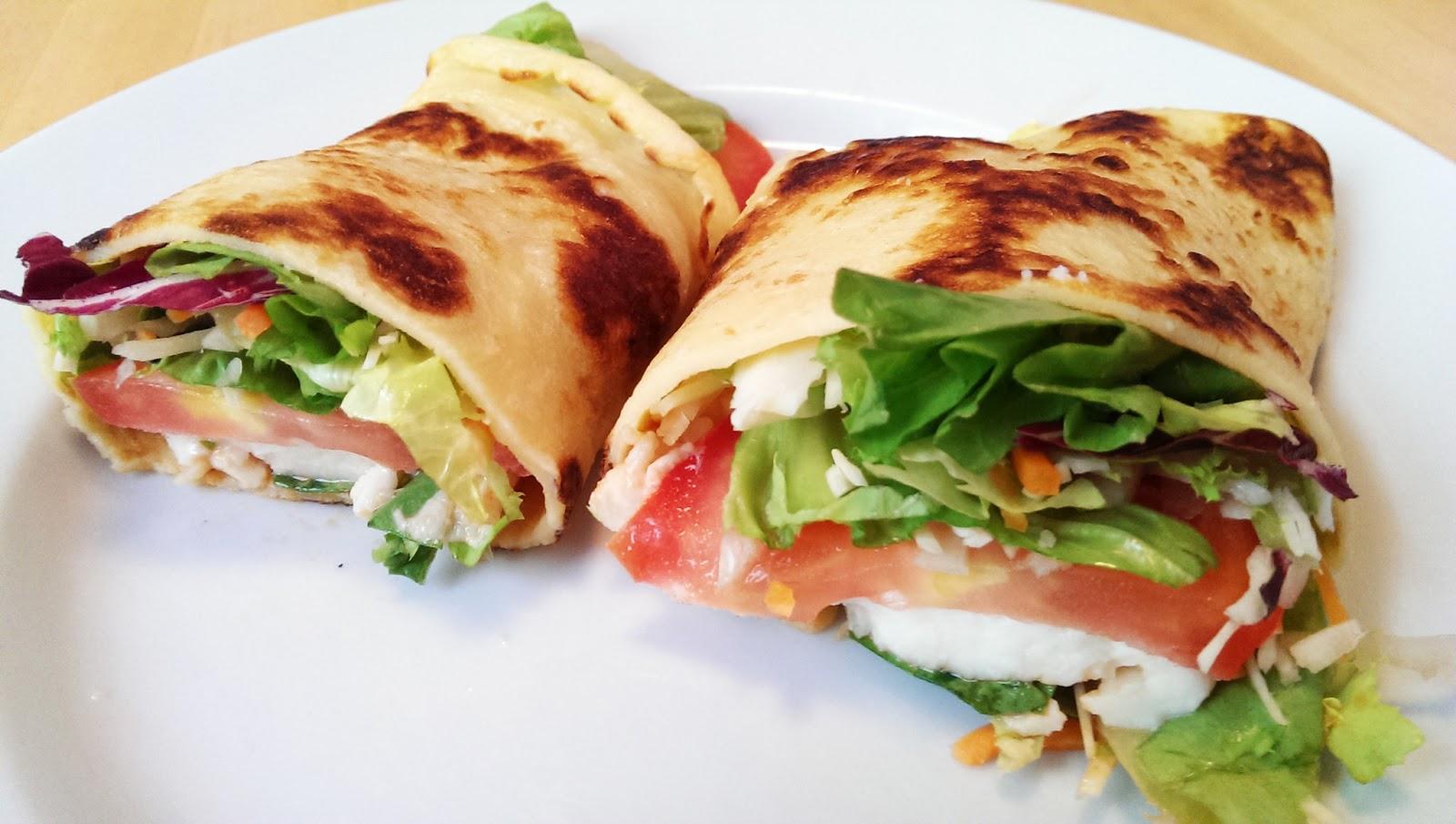 Pfannkuchen und Salat vegetarisch