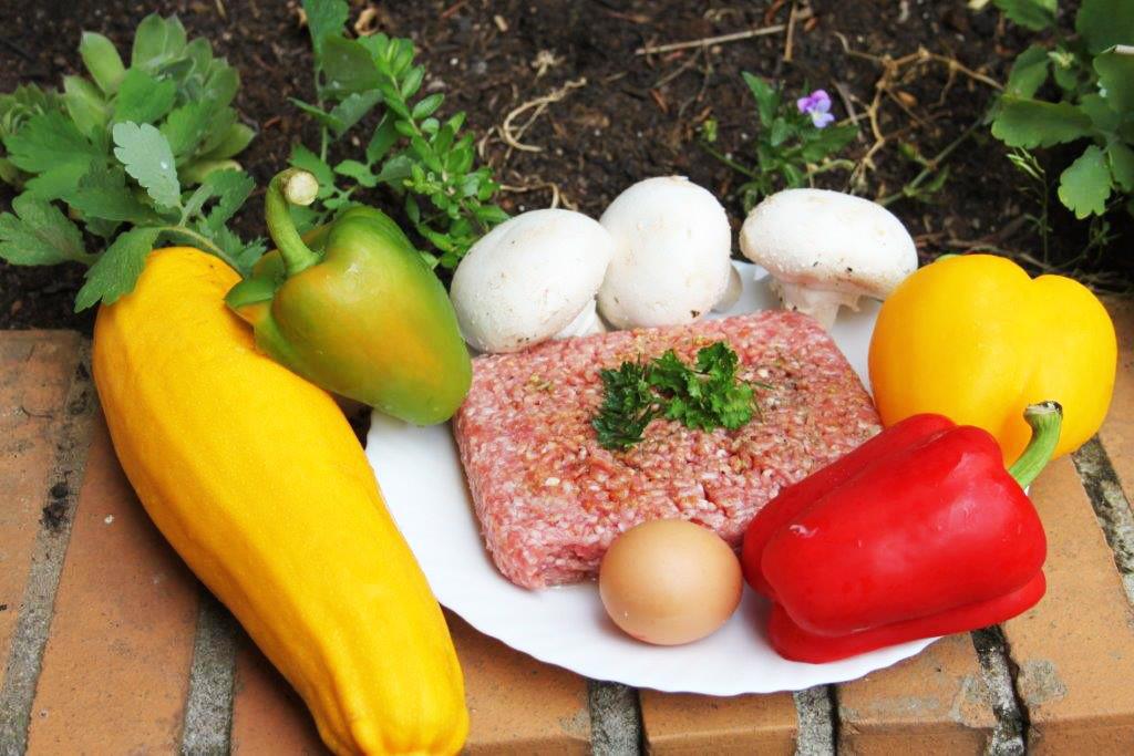 Hackfleisch gefüllt mit Zucchini