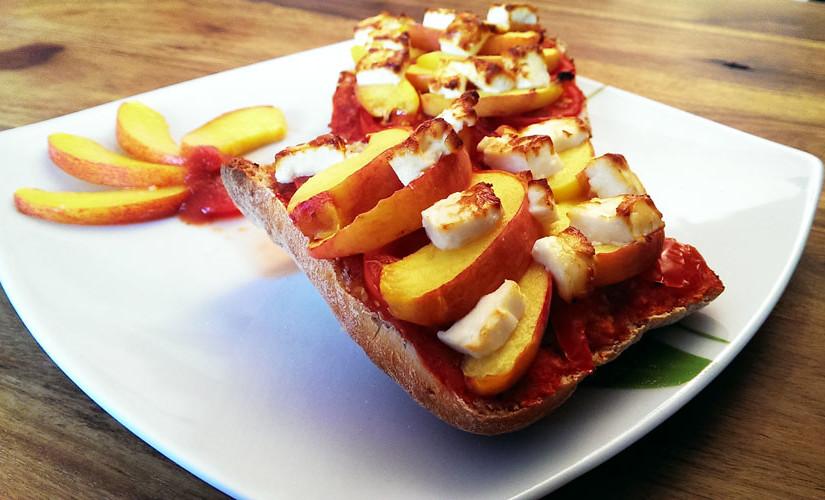 Feta-Pfirsich-Brötchen