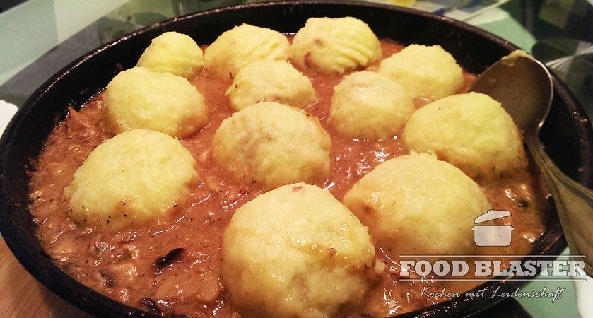 Schlesischen Kartoffelknödel mit Fleisch