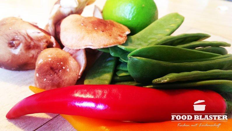 Asiatische Gemüsesuppe mit Rind