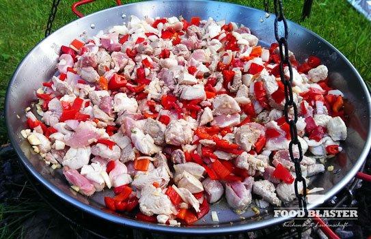 Gemüse anbraten für Paella