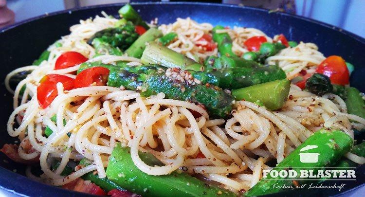 Grüner Spargel mit Spaghetti