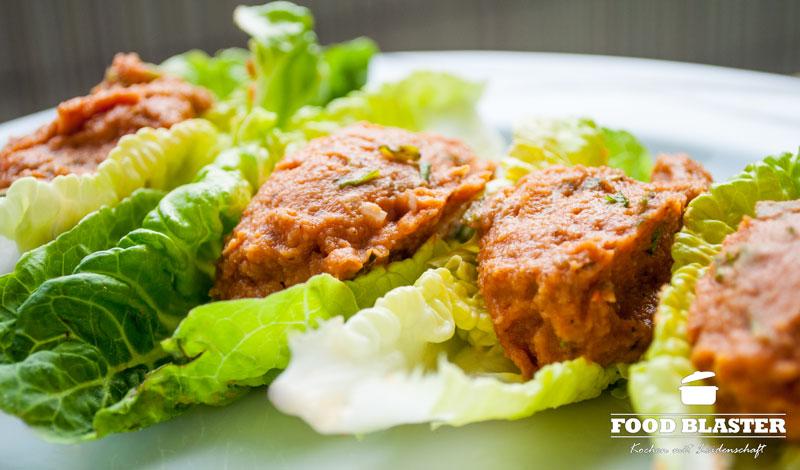 Cg Köfte in Salat