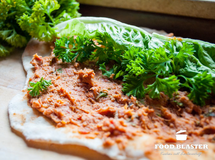 Petersilie und Salat auf Cig Köfte